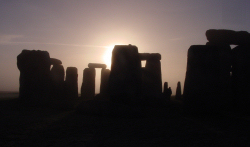 Stonehenge at dawn, photo by Laura Cruz copright 2006